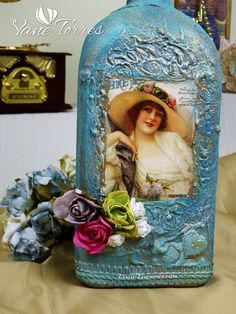 Pintado Botellas – Oferta | ArteClases.com Frame, Home Decor, Painted Bottles, Decorated Bottles, Tin Cans, Towers, Invitations, Manualidades, Picture Frame