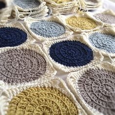 how to crochet a circle into a square | Crochet #2 // Another amazing crochet blanket tutorial that I would ...