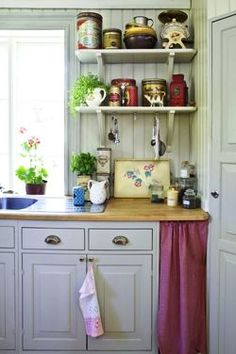 love the butcher block and cabinets Swedish Kitchen, Funky Kitchen, New Kitchen, Kitchen Dining, European Decor, Modern Cottage, Cottage Kitchens, Garden Living, Laundry In Bathroom