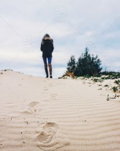 stock photo, beach, exploring, foot-steps