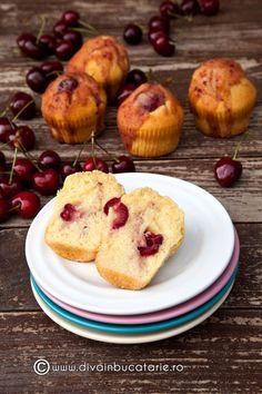 Muffins cu cirese – briose foarte pufoase si delicioase cu cirese – cea mai simpla si mai rapida reteta de French Toast, Muffin, Food And Drink, Lunch, Mai, Cooking, Breakfast, Desserts, Cupcake