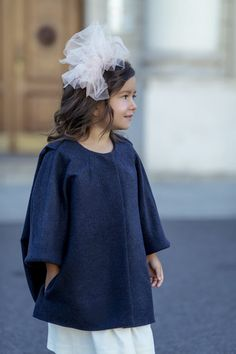 Natalie wool and silk coat from Amelie et Sophie. Silk Coat, Dolce And Gabbana Kids, Summer Lookbook, Timeless Elegance, Couture Dresses, Aw 2018, Couture Fashion, Baby Dress, Fashion Brand