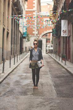 Shorts . Bershka (Old)  Blazer . Peace and Love vía buylevard  Belt . SuitBlanco (Old)  Loafers . Melissa  Shirt . Stradivarius (AW12)  Sunnies . Parfois