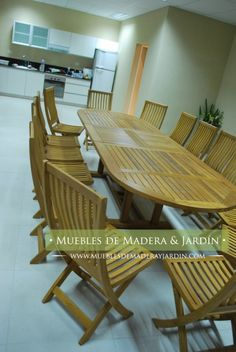 Mesa Oval de Madera