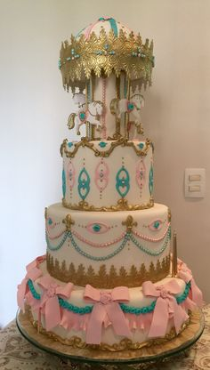 Carossel. Girls cake. Bolo de menina. Carroussel cake