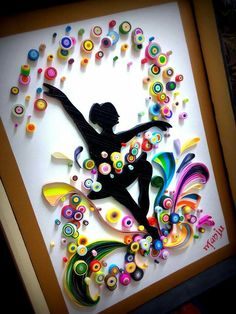 Quilled circle dancing girl potrait frame