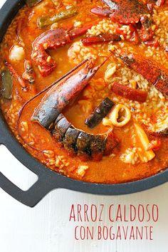 Arroz caldoso con bogavante Fish Recipes, Seafood Recipes, Cooking Recipes, Healthy Eating Tips, Healthy Recipes, Risotto, Spanish Dishes, Savoury Dishes, Mediterranean Recipes