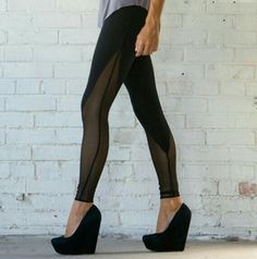 we are manufacturer of Mesh V-panel legging
