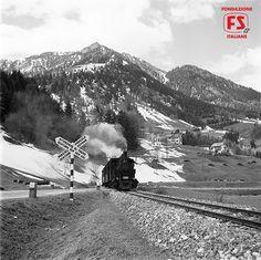 Treno in arrivo a Ortisei, Bolzano (1959)