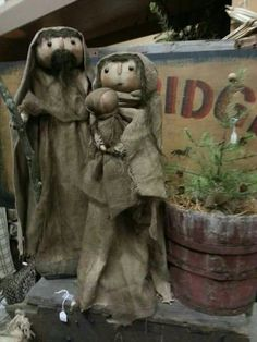Beautiful rustic nativity with a rustic background.  #nativity