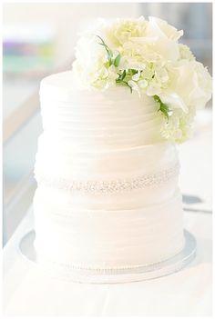 Beatuiful White Wedding Cake | Rayan Anastor Photography |  Frankfort MI Wedding Photographer