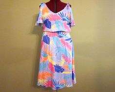 Vintage Hawiian Dress @ http://www.etsy.com/shop/FrequencyVintage
