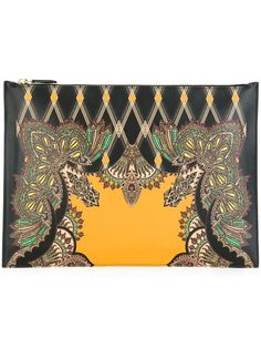 Shop Etro printed clutch in Stefania Mode from the world's best independent boutiques at farfetch.com. Shop 400 boutiques at one address.
