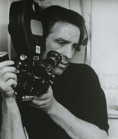 Watch: 'Father of Independent Cinema' John Cassavetes Shares His Philosophy on Film Gena Rowlands, Sophia Loren, Ingrid Bergman, John Cassavetes, Cinema Tv, Cinema Camera, Photo Vintage, Roman Polanski, Under The Influence