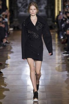 Stella McCartney ready-to-wear autumn/winter '14/'15 gallery - Vogue Australia