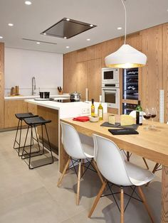31 Modern Kitchen Area Suggestions Every Residence Prepare Needs to See Kitchen Room Design, Condo Kitchen, Kitchen Dinning, Modern Kitchen Design, New Kitchen, Kitchen Remodel, Kitchen Decor, Kitchen Island And Table Combo, Modern Kitchen Interiors
