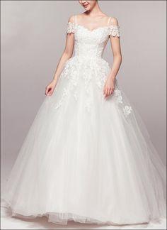 Brautkleid aus Spitze und weichem Tüll in Princess-Linie, Korsagen ...