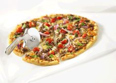 So Simple Beef Provolone Pizza Recipe by Canadian Beef Beef Tip Recipes, Beef Tips, Ground Beef Recipes, Pizza Recipes, Kid Friendly Dinner, Kid Friendly Meals, Mozzarella, Tomato Pizza Sauce, Sauce Teriyaki