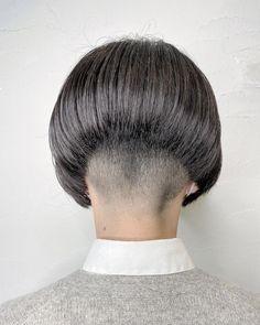 Inverted Bob Haircuts, Stacked Bob Hairstyles, Short Bob Haircuts, Short Bob Styles, Long Hair Styles, Short Stacked Bobs, Short Bobs, Bowl Haircuts, Shaved Nape
