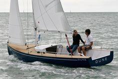 Dayboat Dune E Boat, Yacht Boat, Cool Boats, Small Boats, Yacht Design, Boat Design, Sailing Dinghy, Sailing Ships, Yacht Week