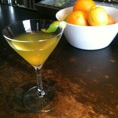 Skinny Green Cocktails - Irish Vacation Martini: 1.5 oz. Bushmills Irish Whiskey  1/2 oz. Midori liquor  1 oz. apple juice  1/2 oz. fresh lime juice  Lime twist