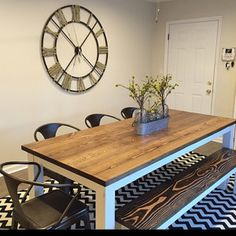 46 Stylish Farmhouse Table Design Ideas Which Is Not Outdated - Trendehouse Rustic Sofa Tables, Wood Sofa Table, Farmhouse Kitchen Tables, Solid Wood Table, Dining Tables, Dining Room, Industrial Farmhouse Kitchen, Modern Farmhouse Table, Industrial Style