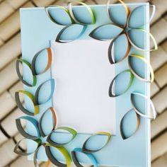 Fotolijstje, spiegel of canvas versieren met geknipte en gekleurde wc - of huishourollen. Door MarMeer