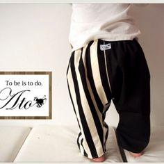 J【人気商品】リバーシブルストライプのゴム式おしゃれスタイ♬ 別料金でお名前刺繍可能   ハンドメイドマーケット minne Minne, Striped Pants, Sweatpants, Creema, Boys, Fashion, Baby Boys, Moda, Stripped Pants