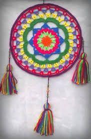 Crochet Mandala and Tassles Crochet Diy, Crochet Home Decor, Crochet Round, Crochet Squares, Love Crochet, Filet Crochet, Learn To Crochet, Crochet Motif, Crochet Doilies