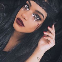 Lady pirate ⚔️ savage but cute 🎀 🎃 Different Halloween Costumes, Pirate Halloween Costumes, Halloween Party Decor, Halloween 2019, Halloween Makeup, Halloween Face, Halloween Ideas, Pirate Makeup, Pirate Hair