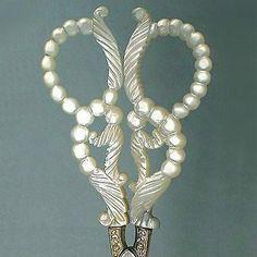 Rare-amp-Unusual-Antique-Palais-Royal-Mother-of-Pearl-Scissors-Circa-1810-1820