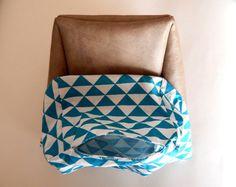 Tuto pour réaliser un panier de rangement | Tub Chair, Sewing, Furniture, Home Decor, Crochet, Ornaments, Storage Organizers, Tutorial Sewing, Dressmaking