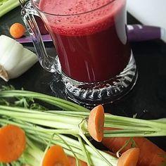 Soczek z rana jak śmietana!  @poli_pal 4 Organic Village  #breakfast #sniadanie #juice #juicecleanse #sok #juicing  6 marchewke #bio 1 burak #bio  4 pałki selera naciowego #bio #pych!!! ☆♡ Więcej przepisów na www.organicvillage.pl