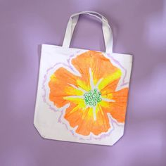 How to Fabric Paint a Bright Flower Tote Bag #Tulip #FabricPaint #Upcycle