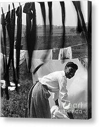 Gertrude Käsebier - Black and White - Portrait of a Negro Woman Doing Laundry, Newport, Rhode Island, 1902 AD Alfred Stieglitz, Black And White Portraits, Black And White Photography, Rhode Island, Old Pictures, Old Photos, Nice Photos, Vintage Photographs, Vintage Photos