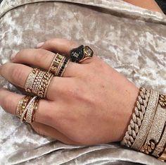 Jewelry Jewelry in 2019 Ear Jewelry, Cute Jewelry, Diamond Jewelry, Gold Jewelry, Jewelry Box, Jewelery, Jewelry Watches, Jewelry Necklaces, Women Jewelry
