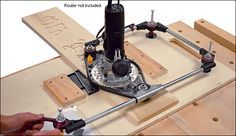 Router Pantograph - Lee Valley Tools trace lines on paper into wood.