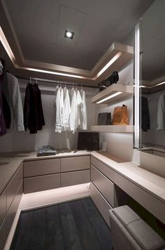 Walk In Closet Ideas - Seeking some fresh ideas to remodel your closet? See our gallery of leading deluxe walk in closet layout ideas as well as pictures. Walk In Closet Design, Bedroom Closet Design, Master Bedroom Closet, Bedroom Black, Master Suite, Best Wardrobe Designs, Closet Designs, Dressing Room Closet, Dressing Room Design