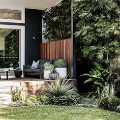 Shot this amazing outdoor space recently designed by pots . - Shot this amazing outdoor space recently designed by pots by The Balcony Gard - Outdoor Areas, Outdoor Rooms, Outdoor Living, Outdoor Decor, Outdoor Balcony, Rustic Outdoor, Ideas Terraza, Back Gardens, Backyard Landscaping