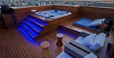 44 New Ideas for backyard deck jacuzzi Jacuzzi Outdoor, Outdoor Spa, Deck Jacuzzi Ideas, Whirlpool Deck, Apartment Bathroom Design, Rooftop Terrace Design, Hot Tub Backyard, Spas, Patio Design