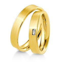 Breuning Trouwringen | Inspiration collectie gouden ringen met of zonder bagette diamant | 4,5mm briljant 0.06ct verkrijgbaar in 8,14 en 18 karaat | 48041750 / 48041760 OOK in wit geel en rood goud verkrijgbaar of in 2 kleuren goud #trouwringen #breuning #trouwen