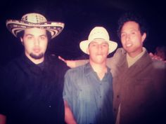 While doing shows con el gran Chuchumbe de Veracruz MX in 2005. Zack of #rageagainstthemachine came thru. #rage #zackdelarocha #lifegoals #mexico #jarocho #veracruz #bayarea #cumbia #cumbiasonidera #og