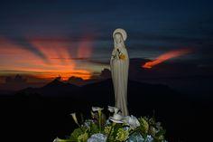Imagen católica: madre,maria,belleza,naturaleza,regalo,don,pureza,milagro,amanecer,sol,maravilla - Cathopic