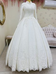 Muslim Wedding Gown, Wedding Gowns, The Dress, Nice Dresses, Dream Wedding, Fashion Dresses, My Style, Weddings, Homecoming Dresses Straps