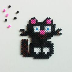 Priscilla's black cat! @shokkybandz #cat #hamabeads #hama #perler #perlerbeads #fusionbead #fusionbeads #shokkybandz