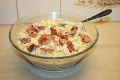 Her kommer oppskrift på en pastasalat som jeg har laget flere ganger og som vi liker veldig godt her i huset! Lett å lage :) PASTASA... Food N, Food And Drink, What To Cook, Bacon, Tapas, Cake Recipes, Lunch, Dishes, Cooking