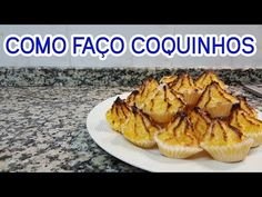 Como Faço Coquinhos - YouTube Coco, Profiteroles, Low Fodmap, Chocolate, Truffles, Deserts, Muffin, Food And Drink, Treats