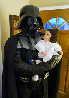 15+ Of The Best Parent & Child Halloween Costume Ideas Ever / Darth Vader & a wary Princess Leia