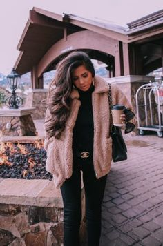 Winter Outfits To Copy ASAP: Brown teddy coat with all black look., Winter Outfits To Copy ASAP: Brown teddy coat with all black look. These Casual winter outfits will keep you warm when other cold weather outfits . Teen Winter Outfits, Stylish Winter Outfits, Winter Fashion Outfits, Fall Outfits, Autumn Fashion, Casual Outfits, Winter Clothes, Mantel Outfit, Coat Outfit