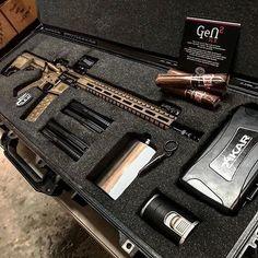 Tactical Tuesday   @androcorpind #cigarsandguns #cigars #guns #2a #tacticaltuesday #gunporn #everydaycarry #puffpuffpewpew (at Texas)